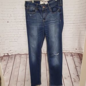 Hollister Distressed Jeans #410